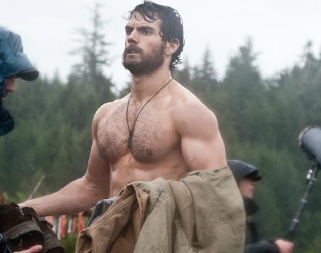Henry Cavill sin camisa