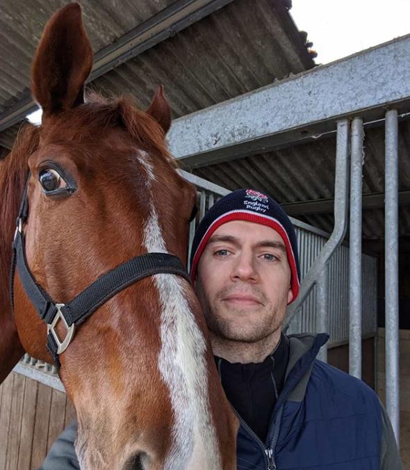 Henry Cavill caballos